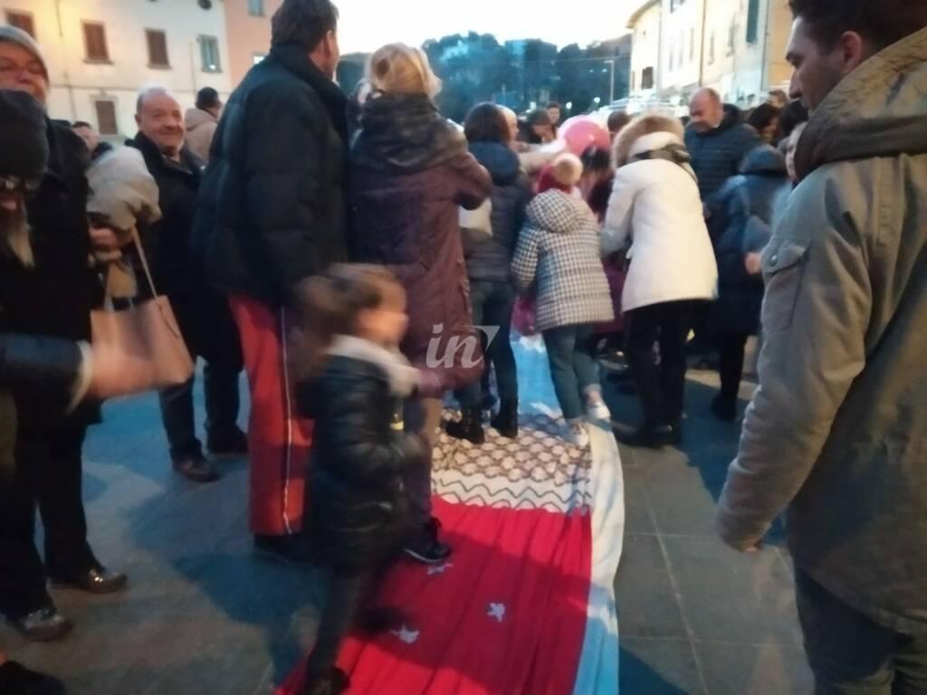 La calza della Befana nel centro storico di Santa Maria a Monte 6 gennaio 2020