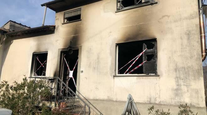 Muore carbonizzata nella casa in fiamme ad Anchiano Socciglia Borgo