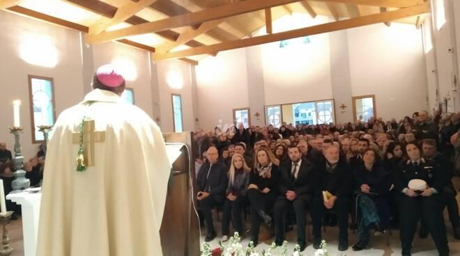 Prima messa nella nuova chiesa di Ponticelli