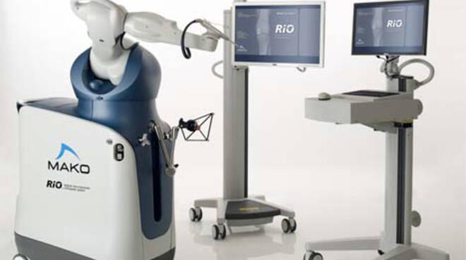 Robot Mako ospedale San Luca di Lucca