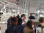 Studenti delle terze medie nelle visite guidate al calzaturificio Freeland di Fucecchio