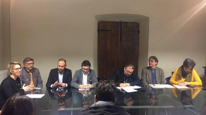 Tavolo economia civile Lucca
