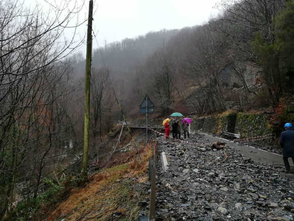 Frana sulla strada Provinciale di Valdarni
