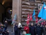 funzione pubblica Cgil Toscana in piazza per la chiusura delle agenzie delle entrate san miniato empoli