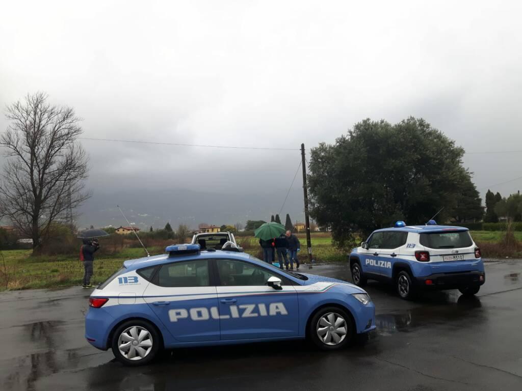 Ordigno esploso nel parcheggio del campo sportivo: indaga la polizia