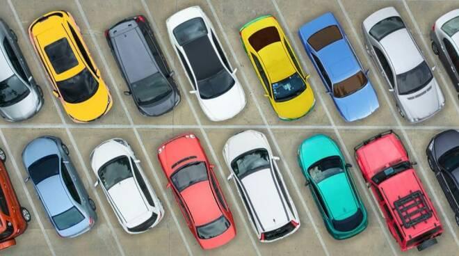 parcheggio sosta automobili