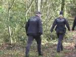 polizia nel bosco