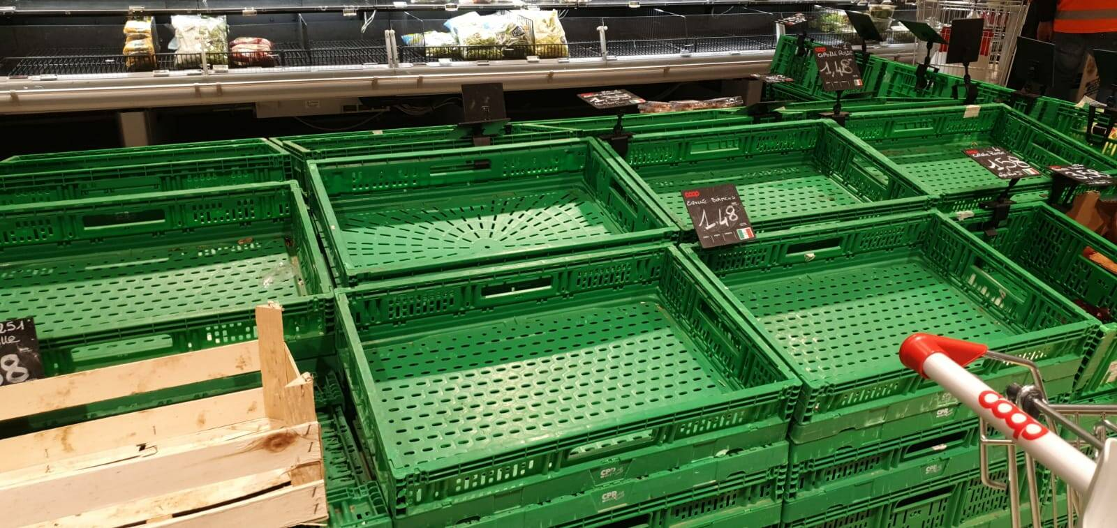 Psicosi Coronavirus, assalto ai supermercati a Lucca
