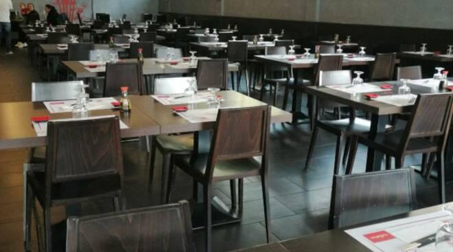 psicosi coronavirus locali ristoranti sushi Lucca