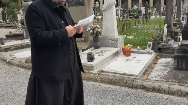 arcivescovo Paolo Giulietti cimitero Sant'Anna preghiera emergenza coronavirus