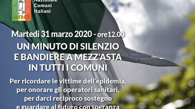 Bandiera a mezz'asta a Massarosa