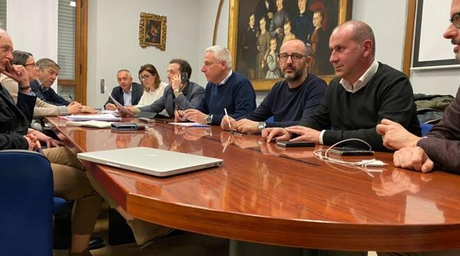 conferenza sindaci Versilia coronavirus stop scuole attività