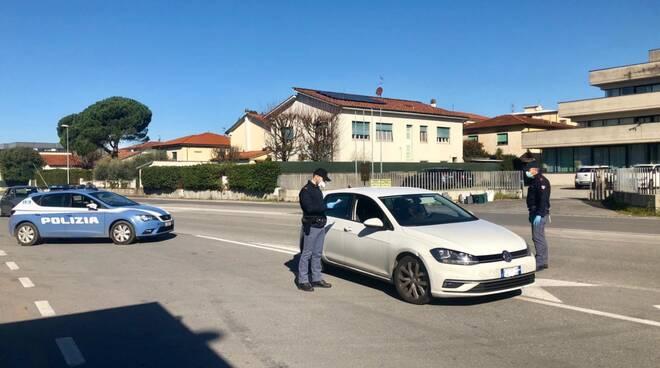 Controlli della polizia di Lucca