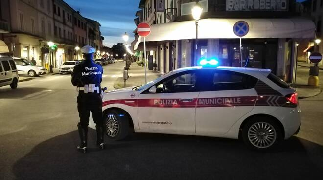 controlli polizia municipale ad Altopascio