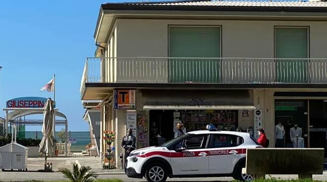 controlli Viareggio polizia municipale denunce