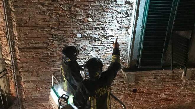 cornicione crollato in centro storico