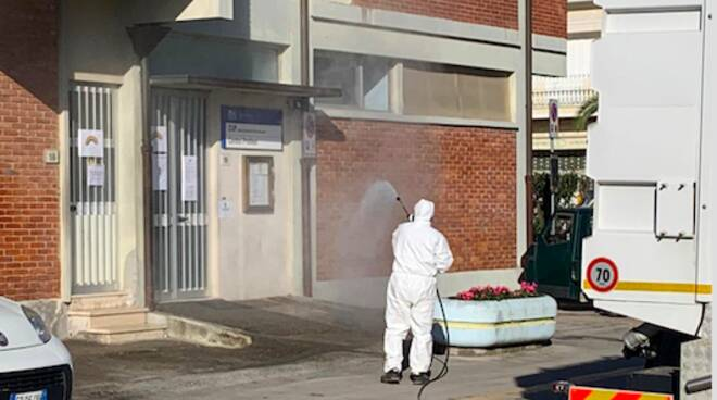 Intervento di sanificazione a Pietrasanta