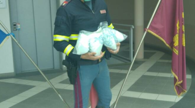 mascherine donate alla polizia stradale