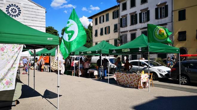 mercatino bio piazza San Francesco