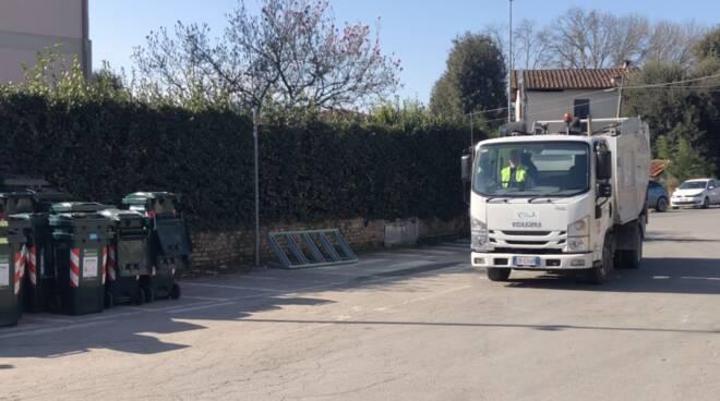 sistema ambiente rifiuti Lucca mezzo