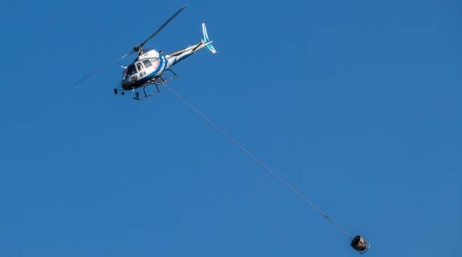 Capannori intervento elicottero Acque Spa deposito Cecchini