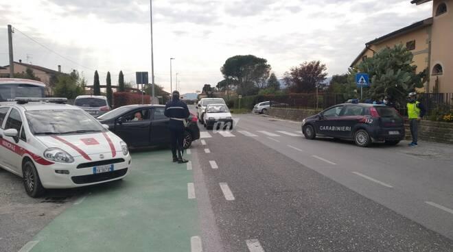 coronavirus controlli santa maria a monte polizia municipali carabinieri