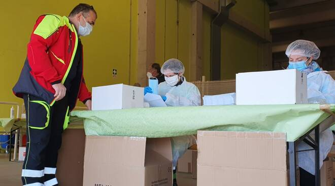 mascherine distribuzione Lucca Sistema Ambiente protezione civile