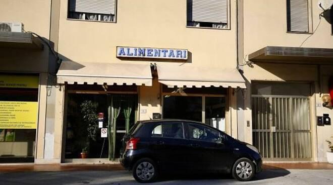 negozio commerciante aggredita Porcari