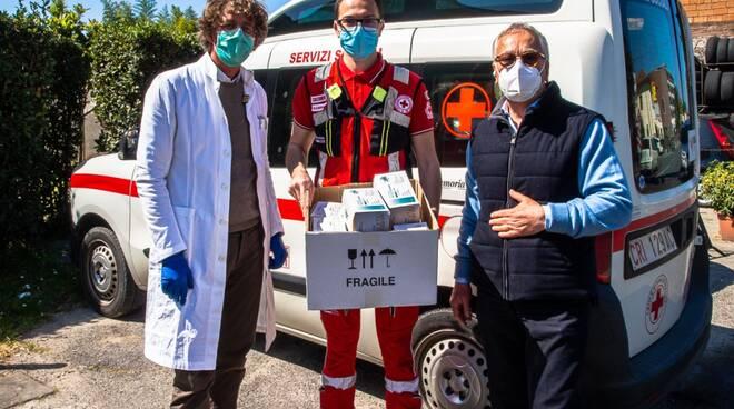 Rotary Club donazione mascherine Croce Rossa Lucca Farmacia Pachetti