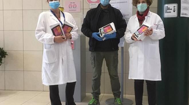 tablet donati all'Ospedale San Giuseppe dalla Fondazione Sesa di Empoli