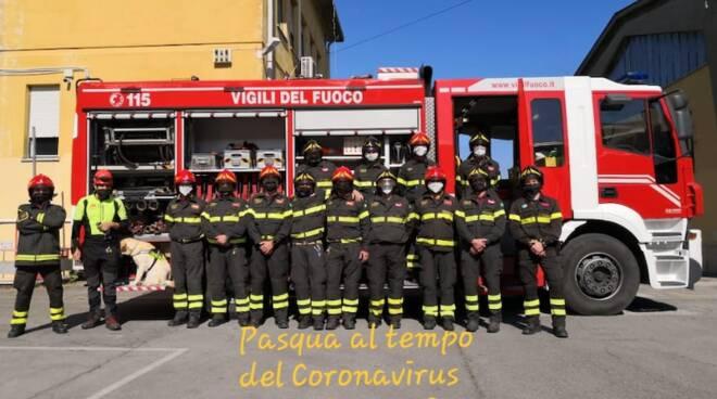 vigili del fuoco Lucca auguri Pasqua