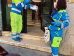 volontari consegna mascherine