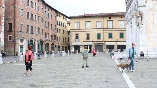 1 maggio coronavirus passeggiate centro storico Lucca 2020