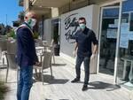 Alberto Coluccini si unisce al flas mob dei commercianti