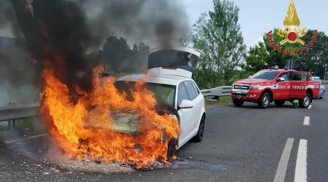 Auto a fuoco in FiPiLi