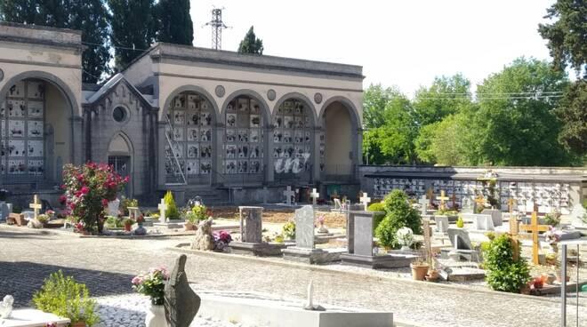 cimitero staffoli
