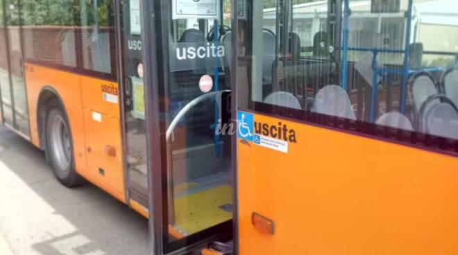 ctt autobus danneggiato a santa croce sull'arno 14 065 2020