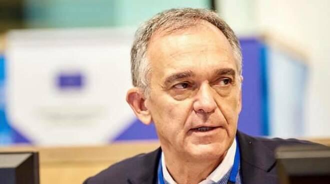 enrico rossi presidente governatore regione toscana