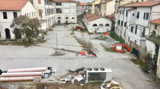 ex caserma Lorenzini parcheggio