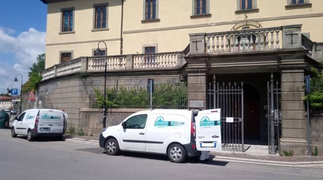 Fucecchio intervento di sanificazione del palazzo Landini Marchiani