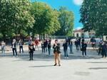 manifestazione mascherine tricolori Lucca