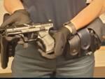 polizia Lucca pistola sequestrata