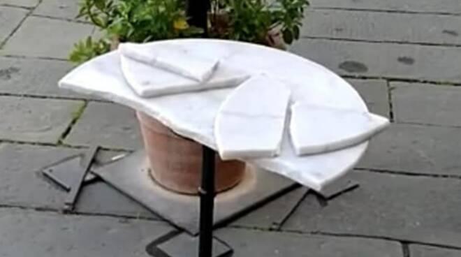 tavolo spaccato pasticceria Taddeucci