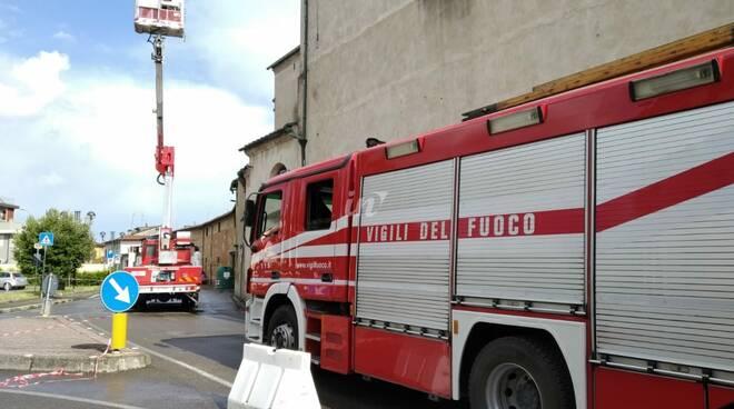 chiesa della vergine fucecchio maltempo 16 giugno 2020 campanile colpito dal fulmine