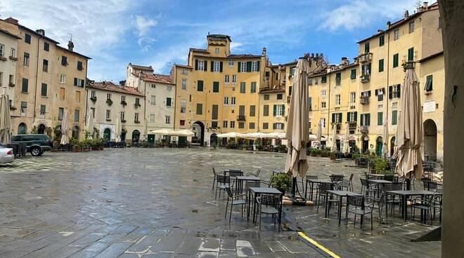 commercianti piazza Anfiteatro