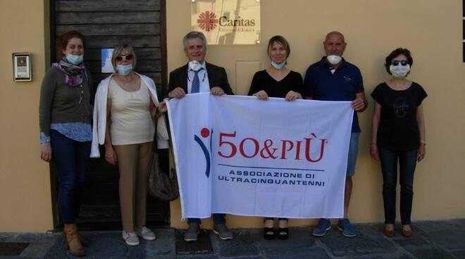 Donazione Associazione 50 & Più Lucca Caritas 4mila euro
