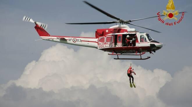 elicottero Drago Vigili del Fuoco di Arezzo