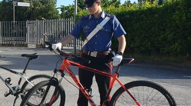 furti bici torre del lago denuncia carabinieri