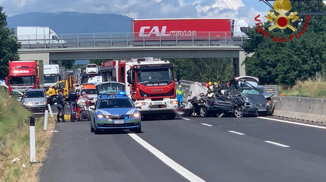 incidente A1 4 morti Monte San Savino