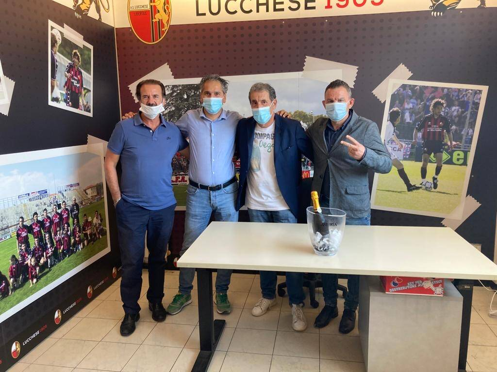 La Lucchese festeggia la promozione in serie C